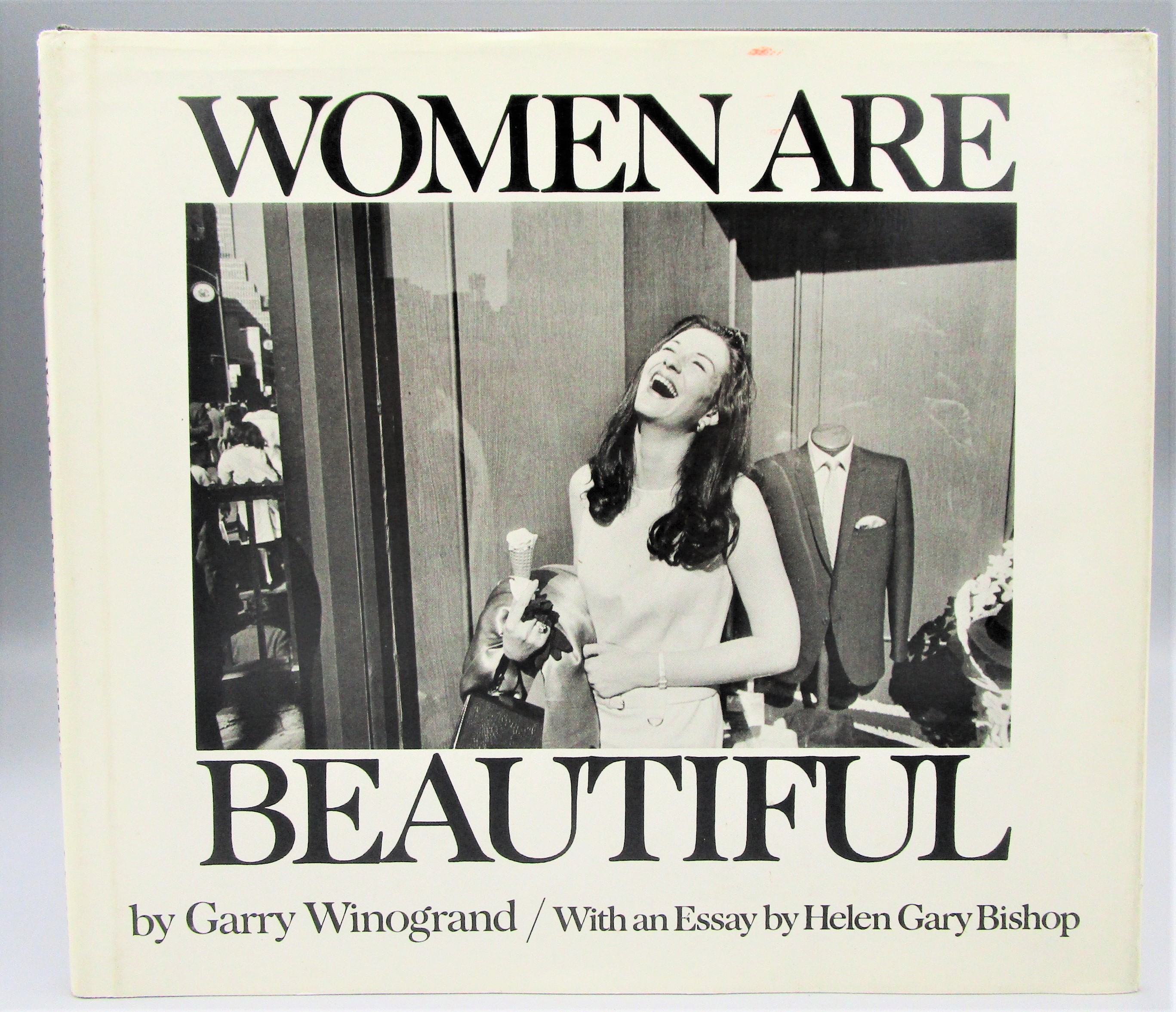 WOMEN ARE BEAUTIFUL, by Garry Winogrand - 1975 [1st Ed]