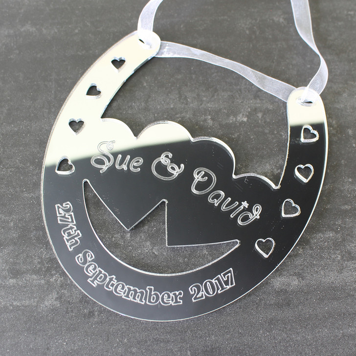Personalised Couples Silver Wedding Horseshoe Keepsake with Date - Boyfriend, Girlfriend Anniversary or Wedding Gift