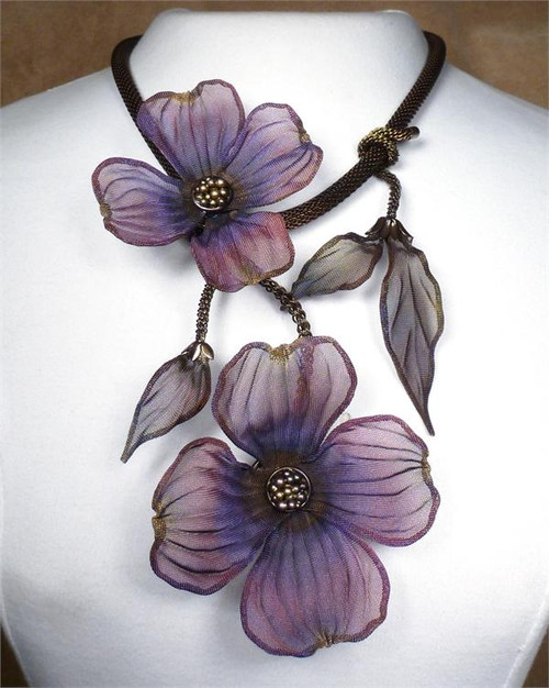 sarah cavender floral necklace 22164b