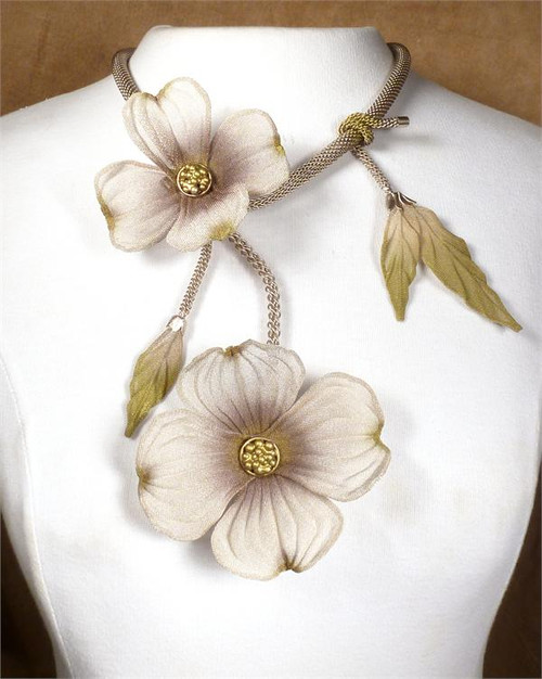 sarah cavender floral necklace 22164s
