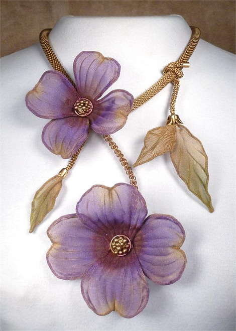 sarah cavender floral necklace 22164g