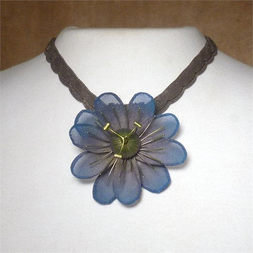 Sarah Cavender CHARCOAL WITH OLYMPIA Floral necklace