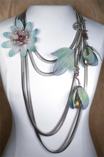 Sarah Cavender  MESH NECKBAND WITH WIDE MULTI-FLOWERS