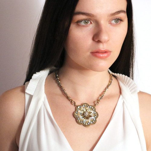 Golan Gold & Clear Flower Necklace