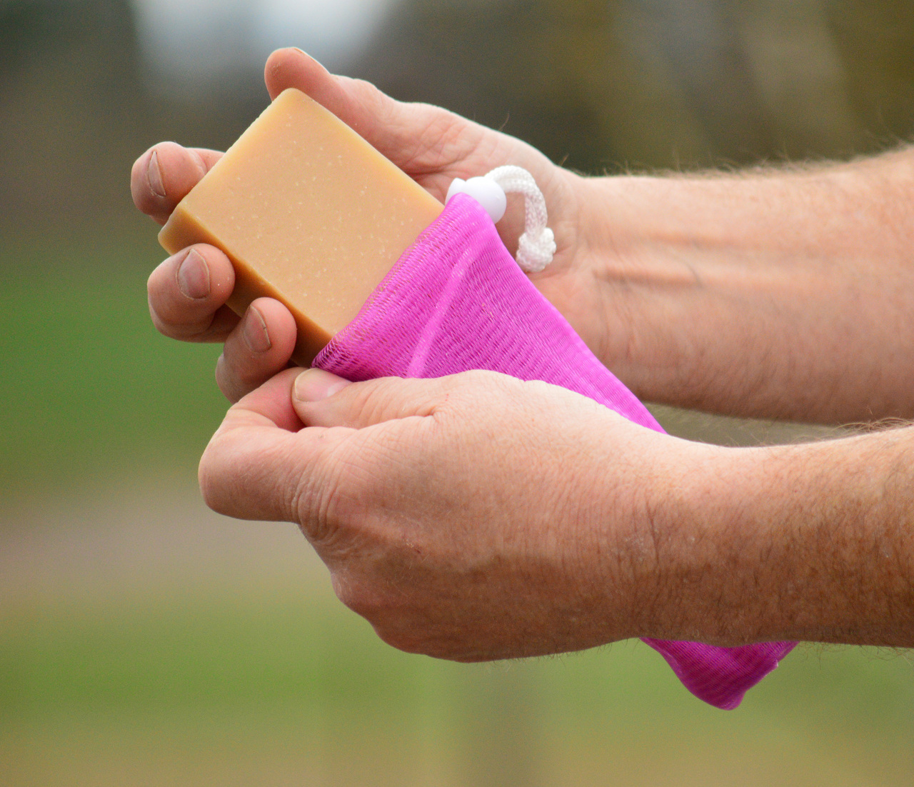 `- How to use soap sacks -
