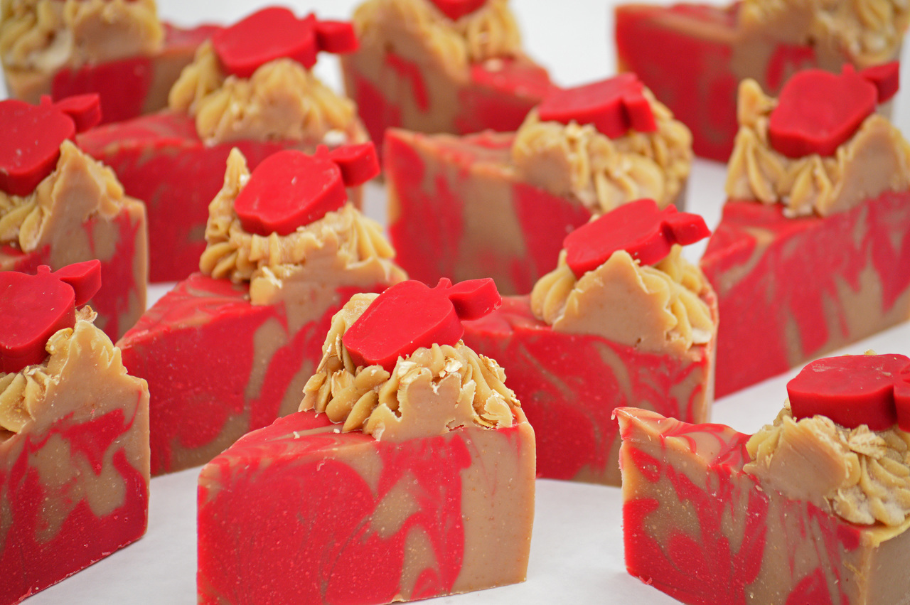 Apples & Oats - Goat Milk Soap Cake
