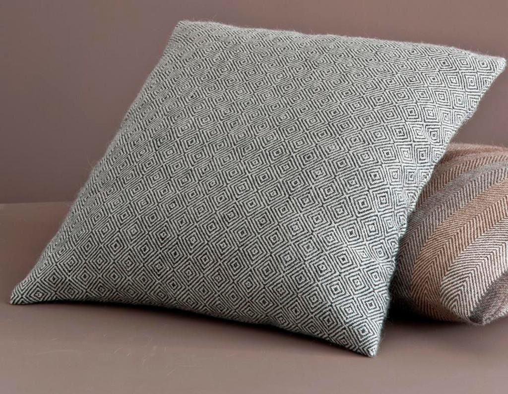 doldock pillow case