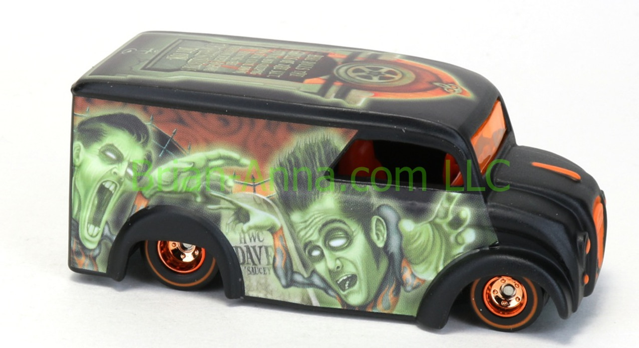 Hot Wheels Red Line Club Halloween Exclusive Scary Dairy Delivery w//Real Riders