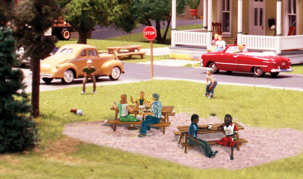 Woodland Scenics Outdoor Dining N Train Figures A2214