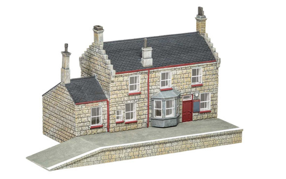 Hornby R7230 Harry Potter Hogsmeade Station / Station Building OO Scale