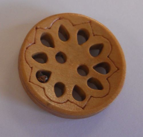 111005 Round Wood 2 Hole Cutout (23mm)