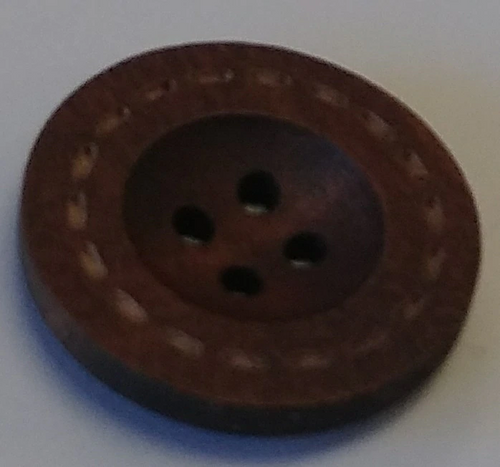 111038 Wood  Round Brown 4 Hole (25mm)