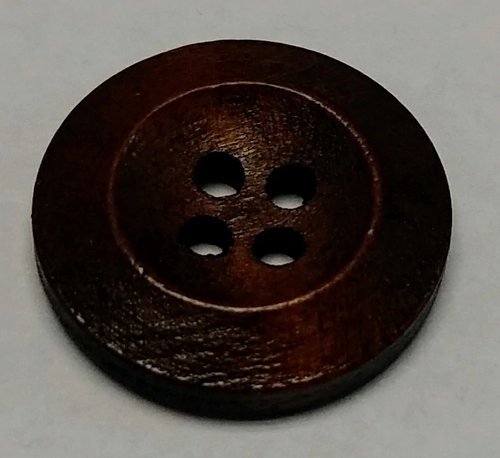 111048 Wood 20mm Round Brown 4 Hole