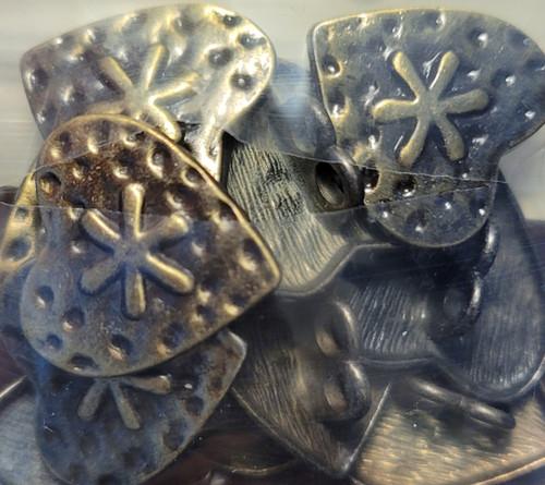 999047 Metal 18mm Bronze Heart w/ Shank
