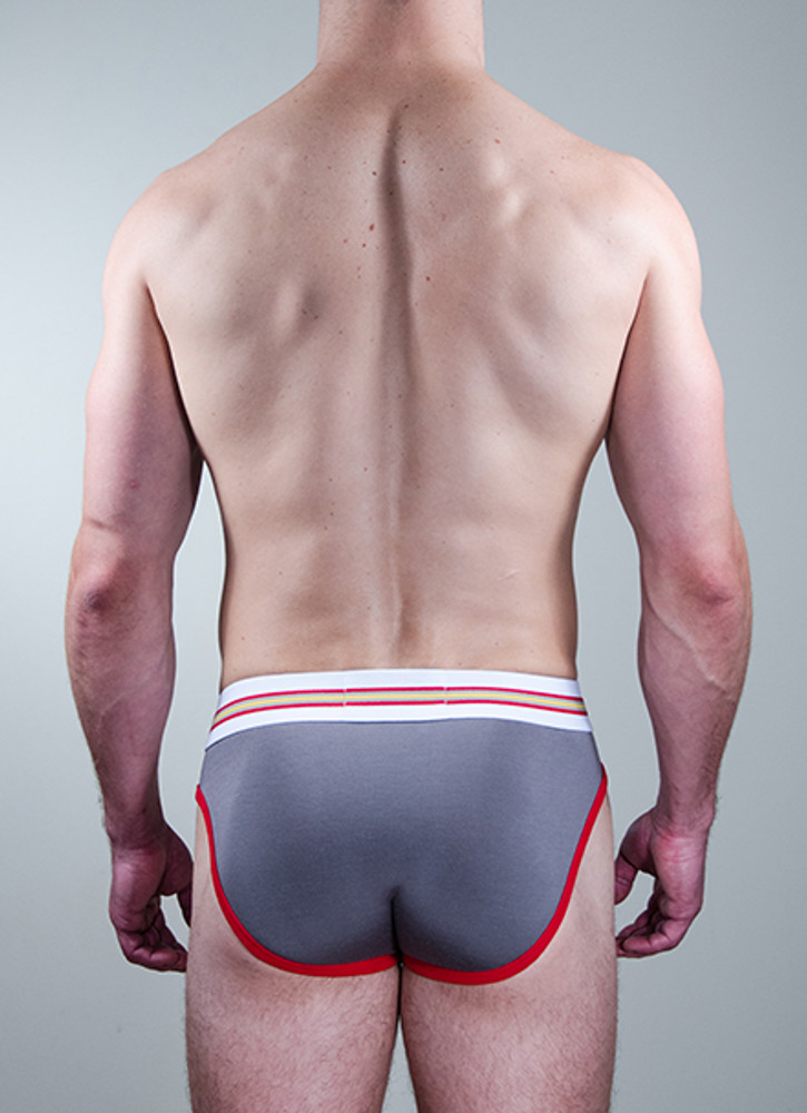 The Active brief and its special 90/10 blend allows for the right amount of softness, movement and security for today's active man.