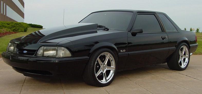 1993-ford-mustang-hatchback-5.0-2-.jpeg