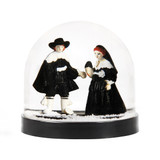 Snow Globe, Maarten en Oopjen, Rembrandt collection