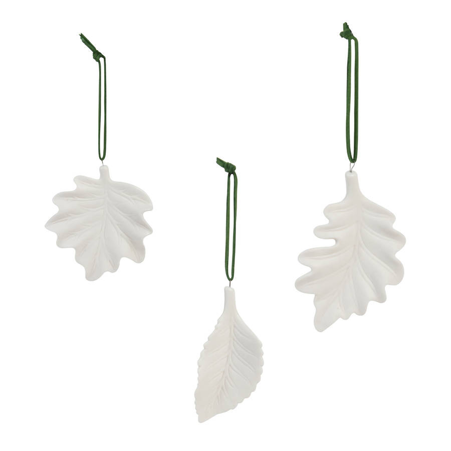 Set of three Porcelain leaves