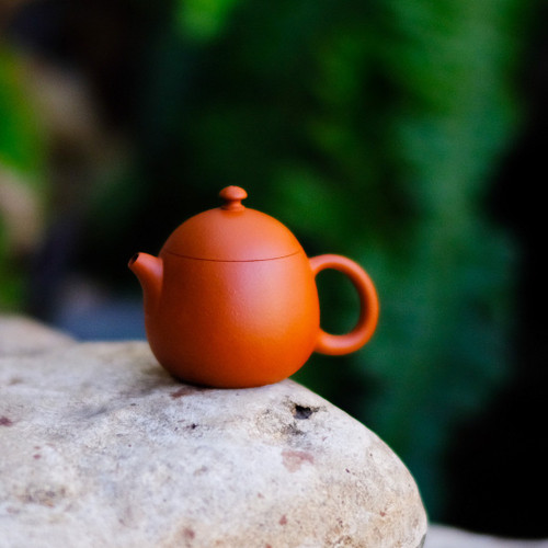 Dragon Egg Yixing Crimson Clay Teapot 龍蛋宜興朱泥茶壺