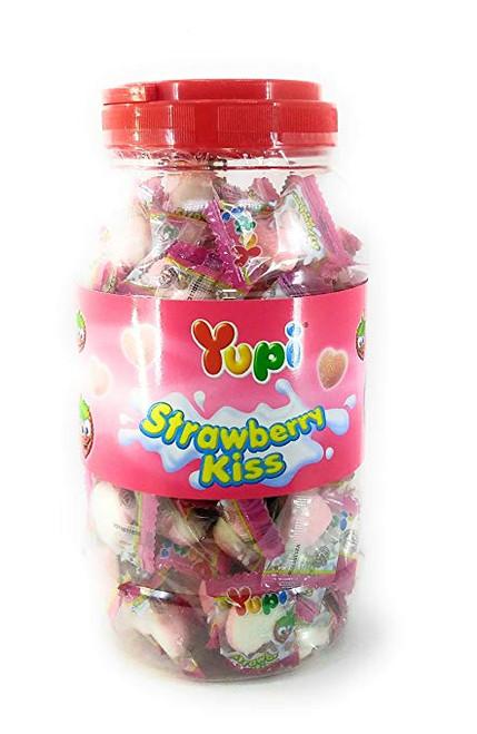 Yupi Gummy Candy Strawberry Kiss, 300 Gram / 10 Oz