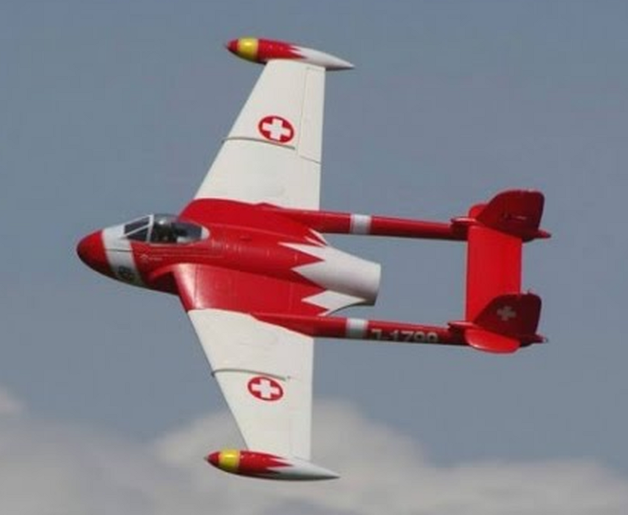 Freewing - De Havilland DH-112 Venom 90mm EDF Jet Version 2- Swiss Red PNP