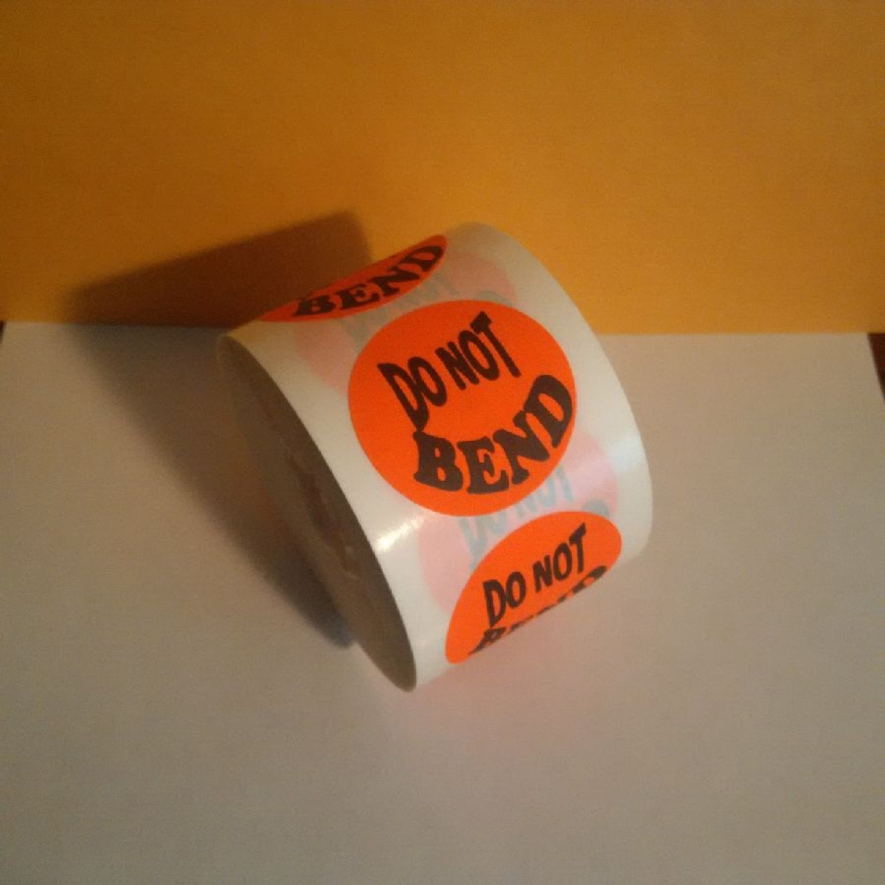 DO NOT BEND LABELS Roll of 500 stickers for mail use
