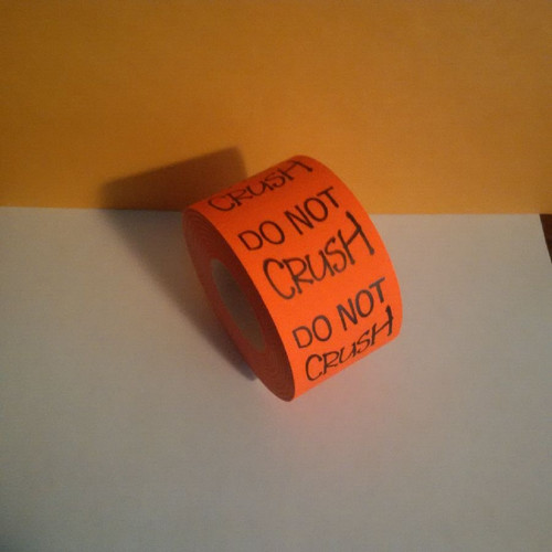DO NOT CRUSH LABELS Roll of 500 stickers