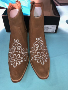 Size 9.5 Ankle boots - Honey w/ Cream stitch