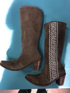 Size 12 Tall boots - Sand w/ Cream stitch Azteca design