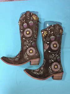 Size 6 Cowgirl boots - Honeysuckle design