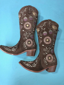 Size 8 Cowgirl boots - Honeysuckle design