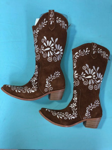 Size 9.5 Cowgirl boots - Tobacco w/ Cream stitch
