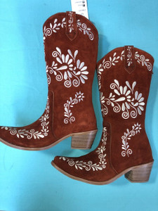 Size 10 Cowgirl boots - Rust w/Cream stitch