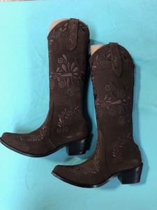 Size 6 Slim boots - Chocolate w/ Chocolate stitch