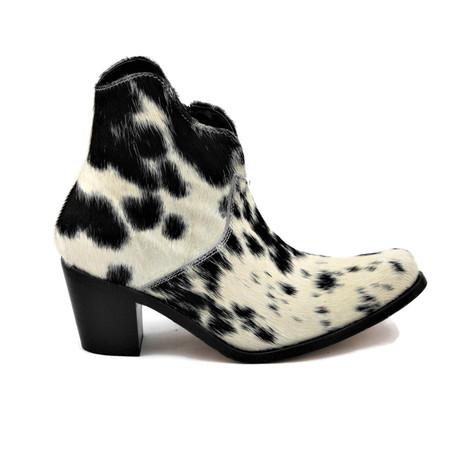 Georgia Ankle Boots - scallop design