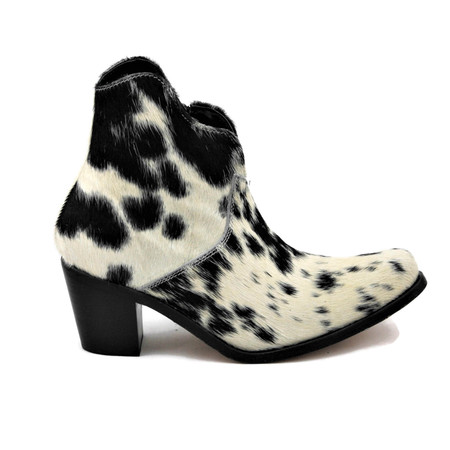 Georgia Ankle Boots - scallop design