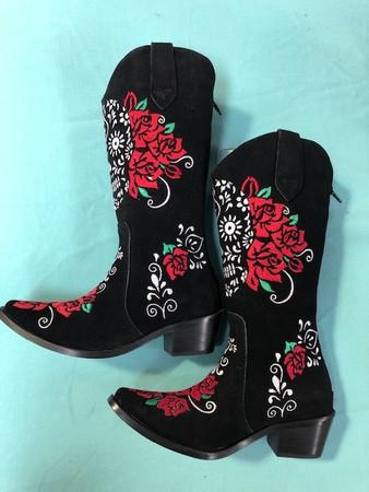 Size 5 Cowgirl boots - Calavera design