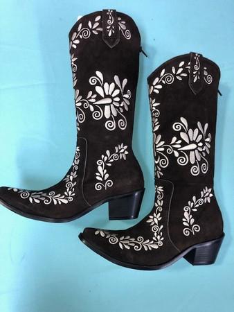 Size 10.5 Slim boots - Chocolate w/ Cream stitch