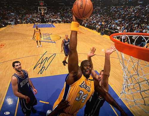 """Shaquille O'Neal Authentic Autographed Los Angeles Lakers 18"""" x 24"""" Canvas - PSA COA"""