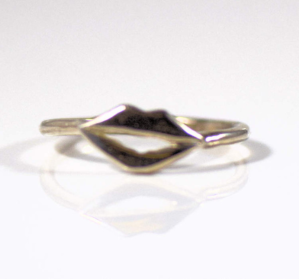 sterling silver rings, sterling silver jewelry, sterling silver lips ring, lips ring, kiss ring, lips band