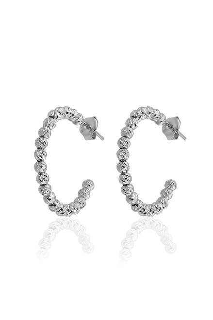 These sterling silver hoop earrings come with a diamond cut accent.