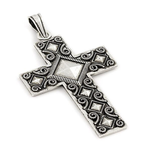 DECORATED  SILVER CROSS PENDANT