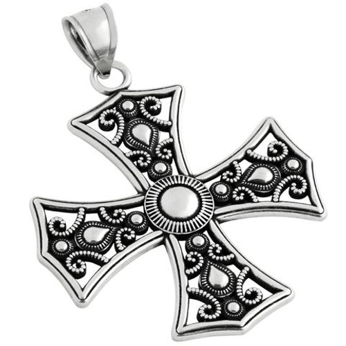 DECORATED PLAIN SILVER MALTESE CROSS PENDANT