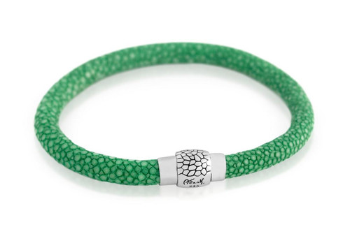 GREEN STINGRAY LEATHER BRACELET WITH MAGNETIC LOCK