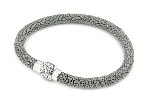 GRAY STINGRAY LEATHER BRACELET WITH MAGNETIC LOCK