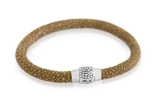 MOCHA STINGRAY LEATHER BRACELET WITH MAGNETIC LOCK