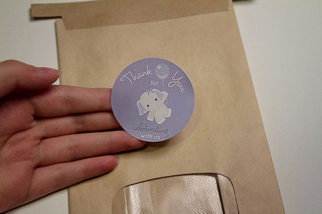 Use on baby shower favors, gift bags, thank you cards, party favors, favor boxes, cups, mugs, and more!