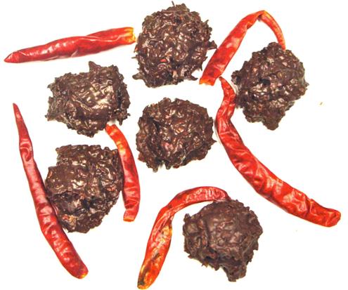 """DiabeticFriendly's Sugar Free Dark Chocolate Arbol Chili Pepper Bites, """"las tuercas de los diablos"""" set of 7, (about 3.5 oz) HOT HOT HOT"""