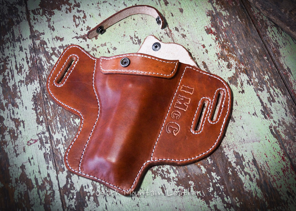 "Style 14 ""The Aspen"" Leather Holster for Medium to large frame"