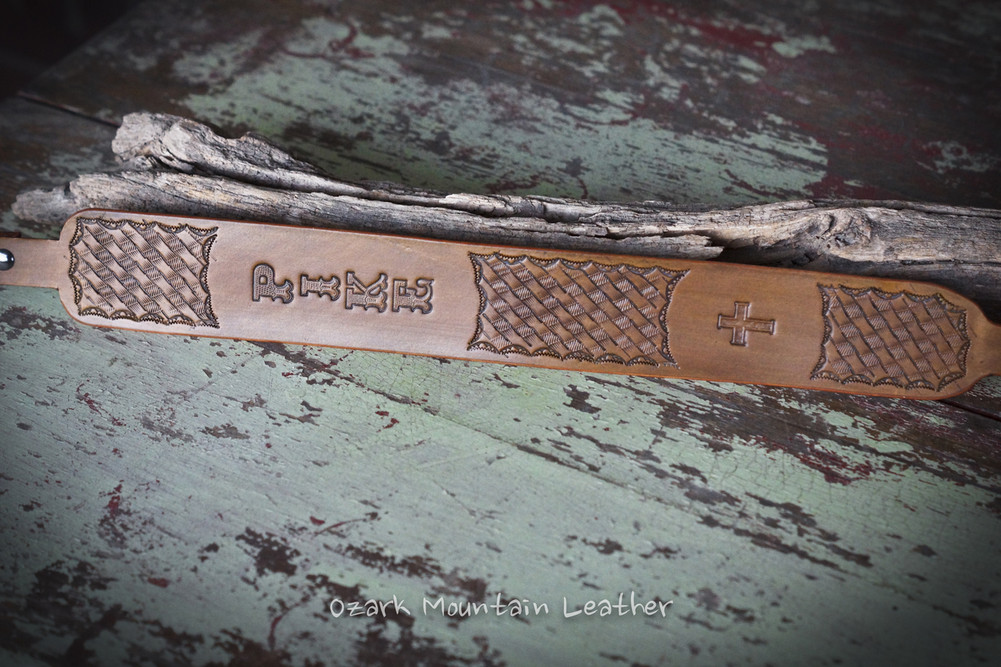 Vegitable tanned leather hand tooled leather rifle sling gun sling customized with name or initials.